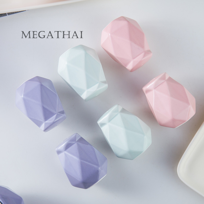 钻石形陶瓷调味罐